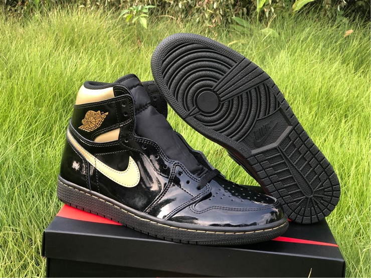 2020 latest Cheap Air jordan 1 retro high og black gold shoes