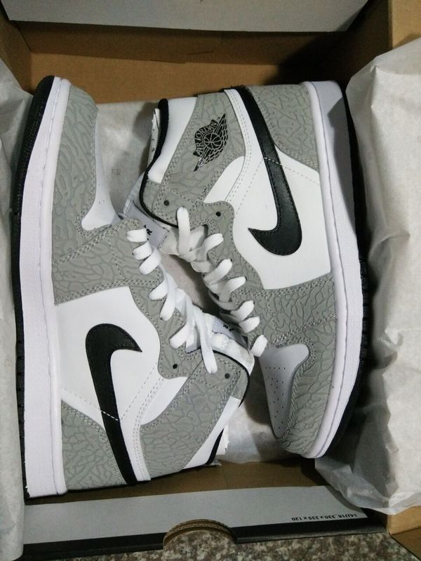 Latest Jordan 1 Crack Grey White Shoes