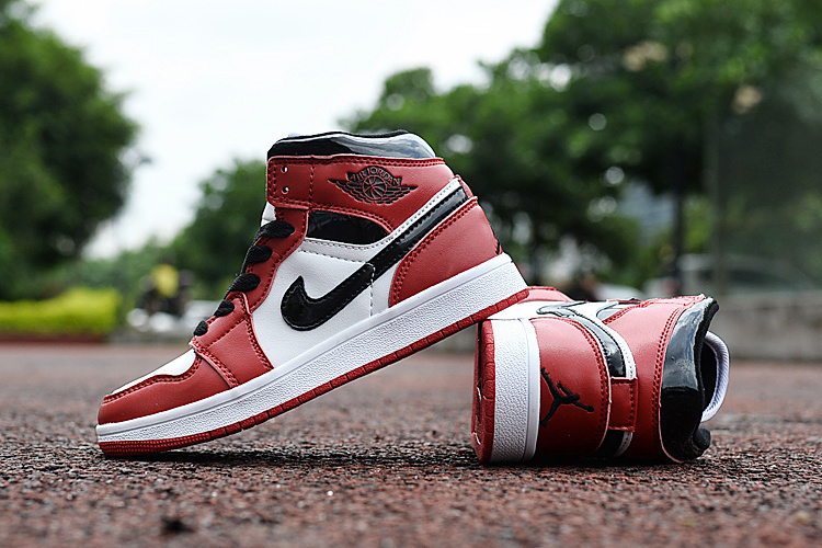Latest Kids Jordan 1 Chicago Red White Black Shoes