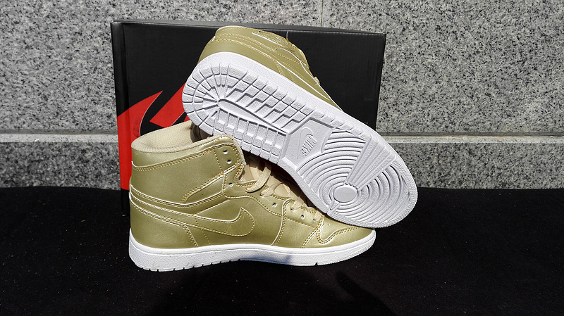 Air Jordan 1 Retro All Gold Shoes