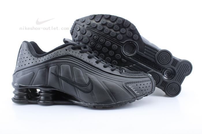 Nike Shox R4 mens all black
